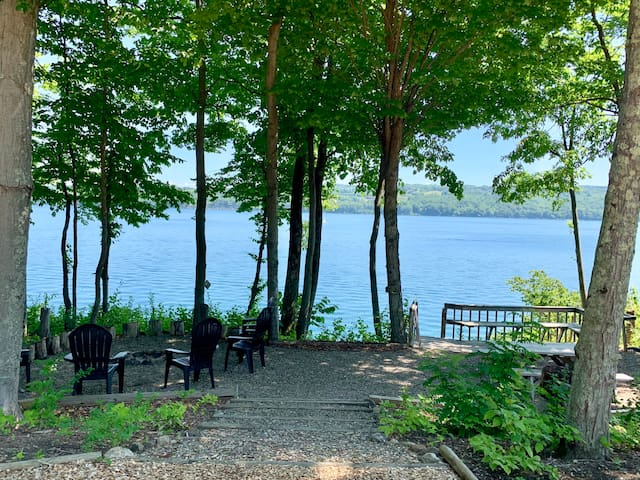 Come into nature at Skaneateles Lake Cottage.