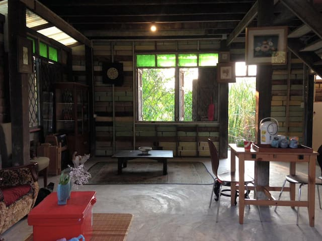Studio House Nakhon Pathom. Art Space & Community