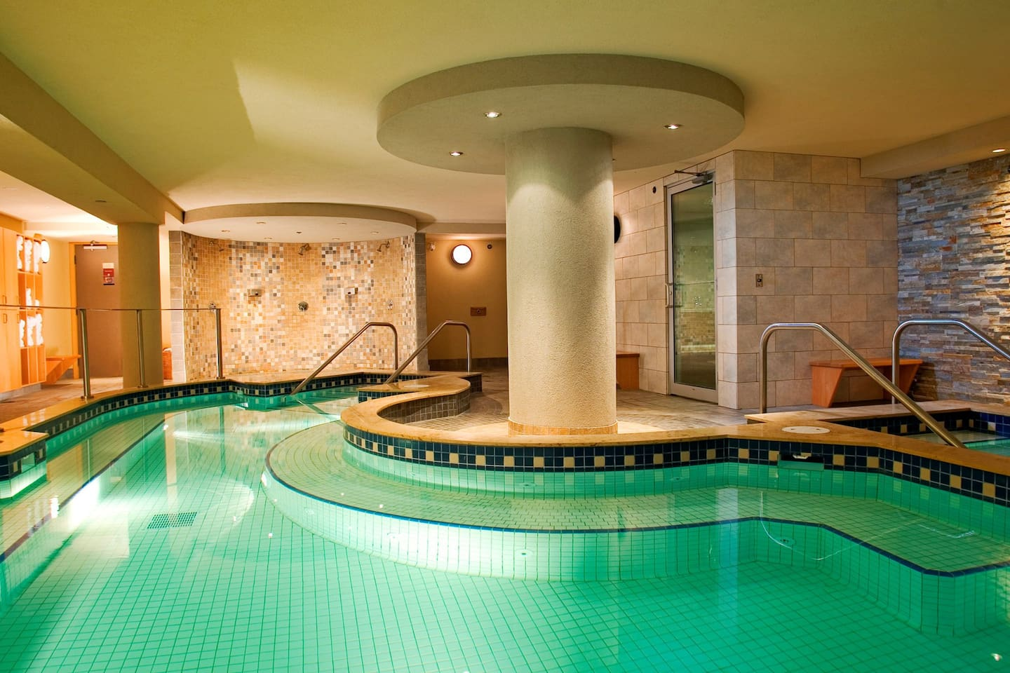 The lodge has a hot pool and sauna for guests to enjoy.