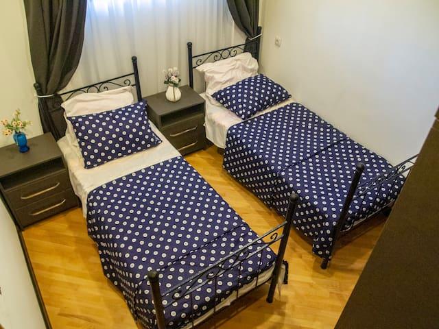 Bedroom,спальня