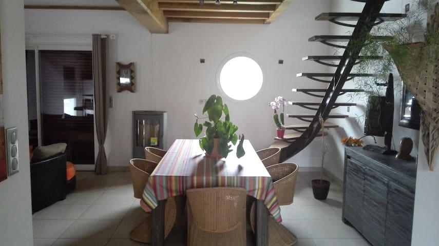 chambre privée et salle de bain - Pyrénées-Atlantiques
