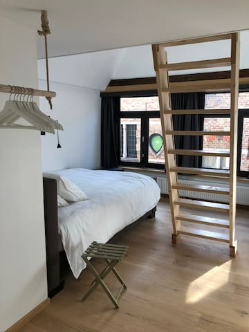 Studio with Mezzanine  in the center of Bruges !!