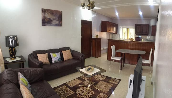 Very nice 2 beds flat in a very nice area (Golf)
