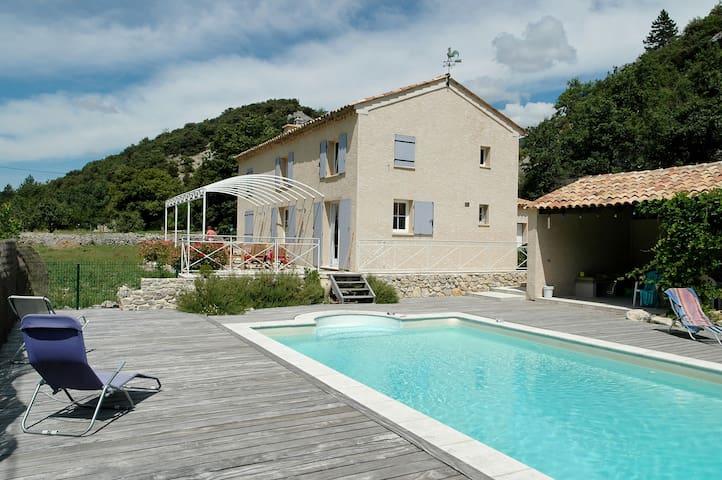 vacances idéales en Provence - Savoillan - Villa