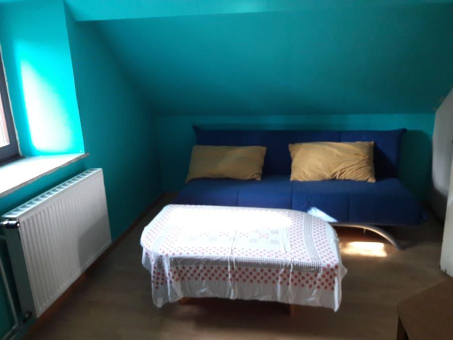 Zimmer oben mit Schlafcouch