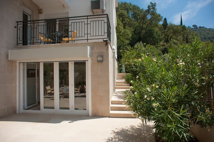Sunny apartment , 30 m from the sea