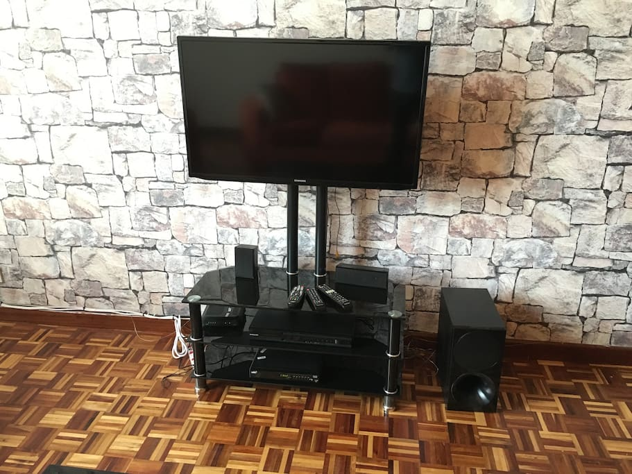 Fas wifi, television and DVD player