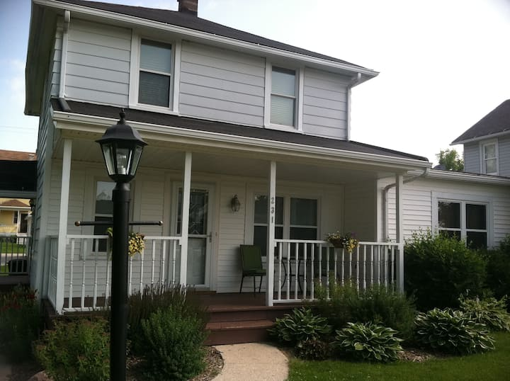 Large home downtown Elkhart Lake!