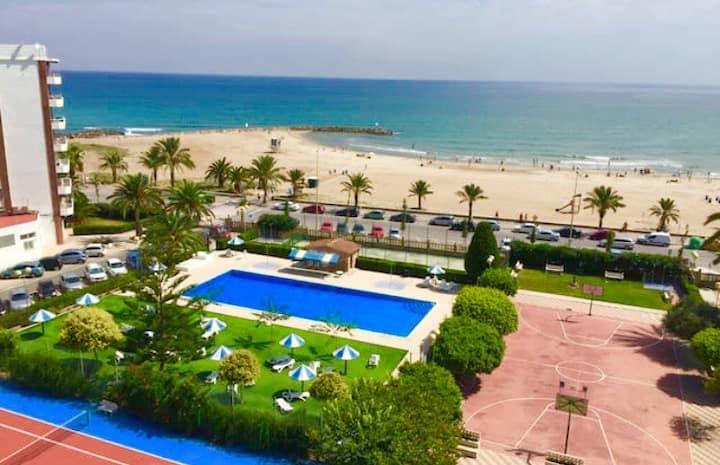 Apartamento playa y piscina con vista Estupenda