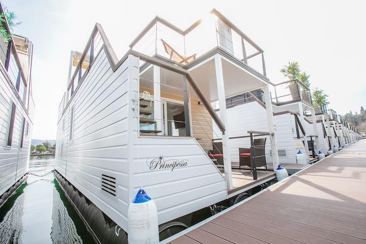 Floating House Principessa★Terrace★Jacuzzi★Free P