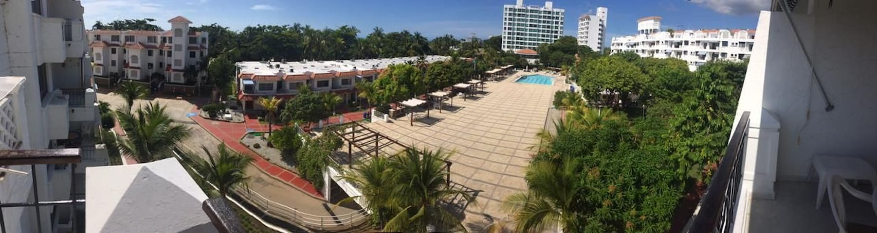 Apto en Balcones de Costa Azul con playa exclusiva