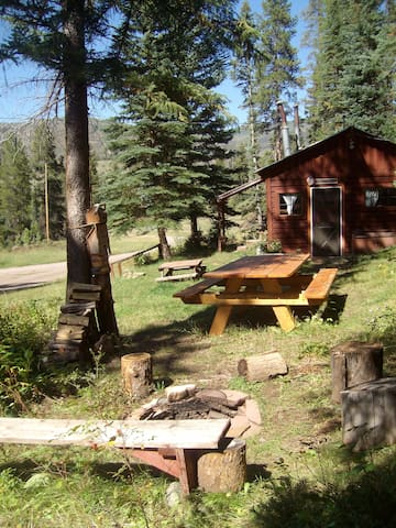 The Bear's Den Mountain Retreat $99. Meeker, CO. - Meeker - Cabana