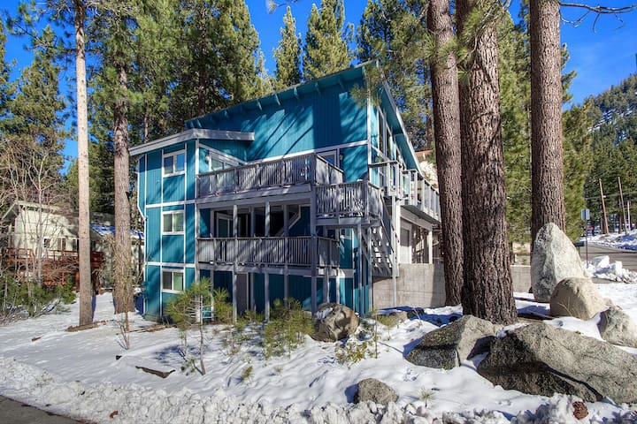 The Perfect Ski Chalet for 10 - City of South Lake Tahoe - Casa