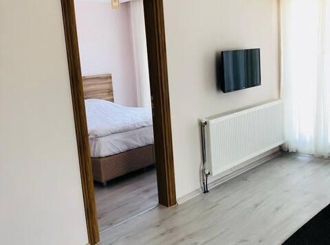 ücretsiz otopark+ kahvaltı+çamaşır yıkama+ kurulama+ ütü+wifi eviniz kadar temiz eviniz kadar güvenilir