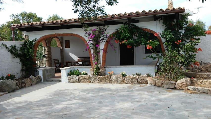 Casa Zi' Rulìa - La Maddalena - Villa
