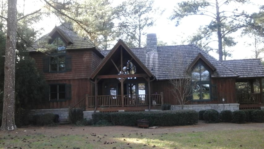 Cuscowilla Golf Cabin...lots of room for 6. - Lake Oconee - Rumah