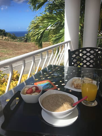 Breakfast on the patio (Guest Photo)