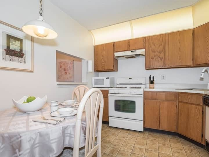 Spacious 2 BR, 2 Bath in a great location!