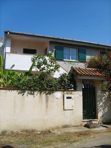 Italy Calabria S.Domenica villa rent for 8 peoples - Santa Domenica - Apartment