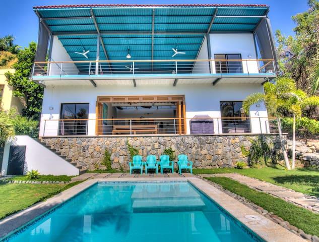 New Large OneWave Villa @ EL Tunco & Sunzal beach!
