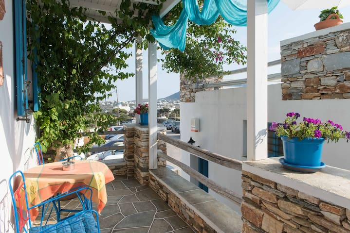 House with kitchen & 2 bedrooms in Sifnos