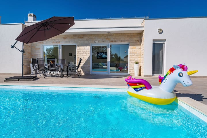Holiday Home Gabriella with private pool