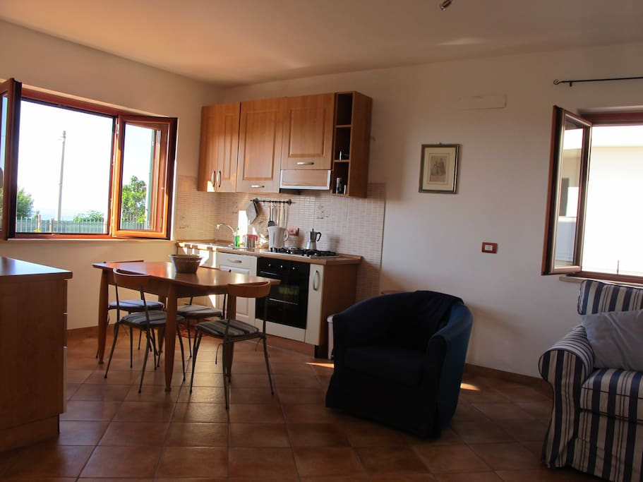 Kitchen area /zona cucina