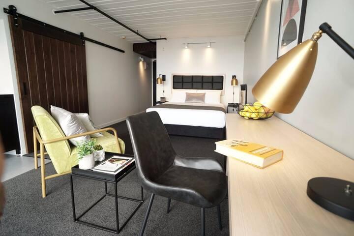 Convenient Top Floor Studio | Free WiFi