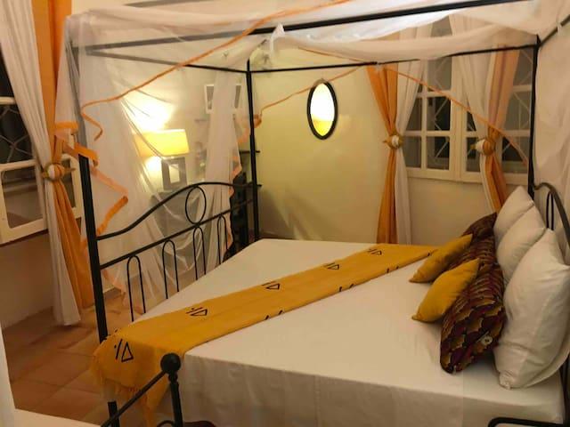 Chez Coumbis charmante Chambre + breakfast à Gorée