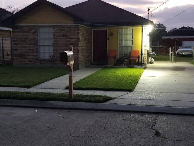 (Mi casa es Su casa)