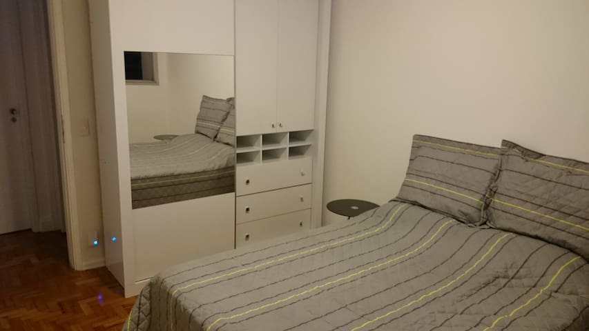 Bedroom in moema - near park, mall and subway