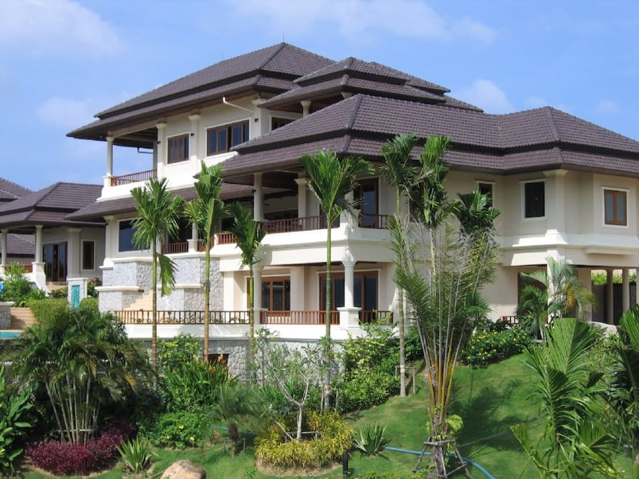 Large comfortable property for family vacations