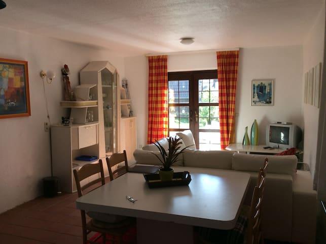 Ontspanningsoord Elbrinxen, Woon/slaapkamer - Lügde