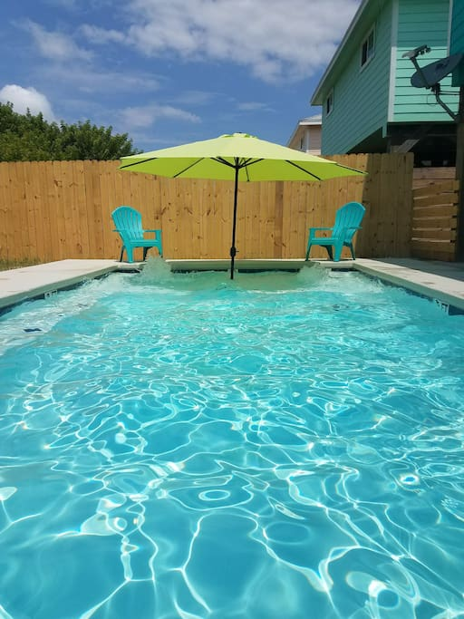 Pool with Umbrella and 2 water spouts