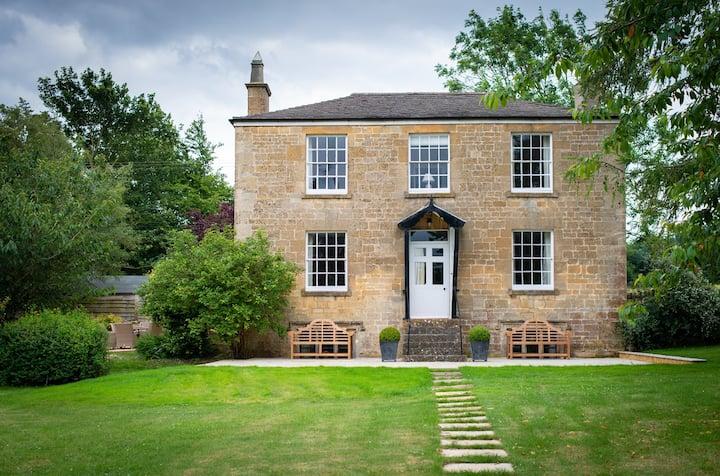 Lapstone Farmhouse