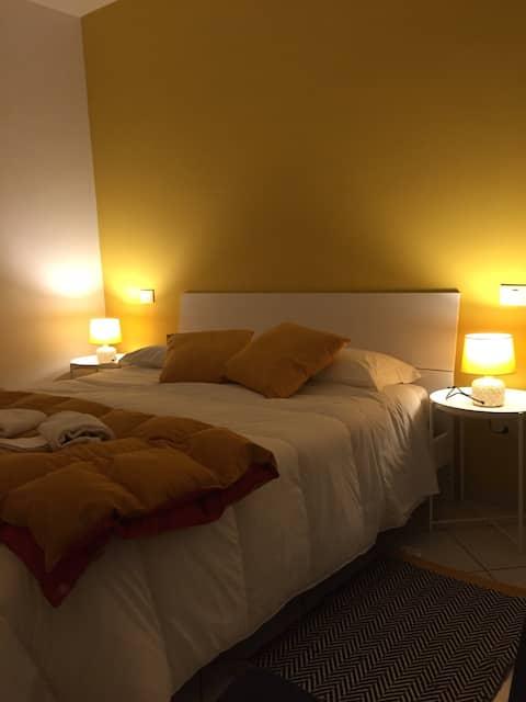 """Coppito """"Yellow room """" intero appartamento"""