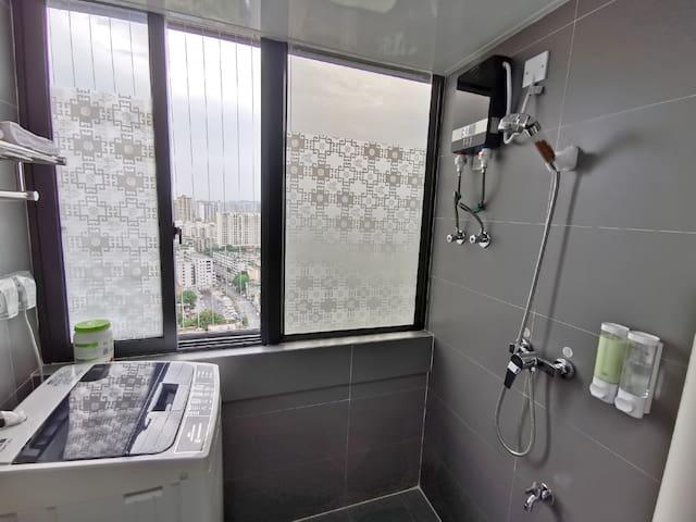 朝阳地铁口整套房源 高层江景夜景 萨尔瓦多的记忆 楼下三街两巷中山路 200M宽带