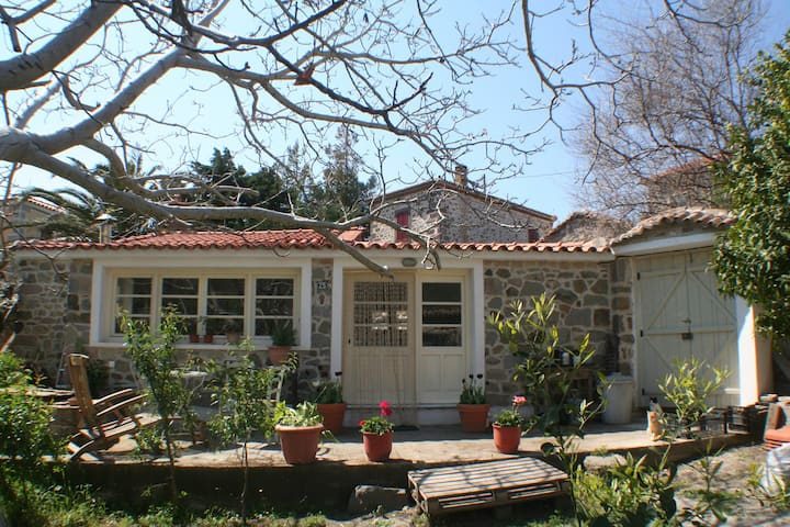 Arcadia Guesthouse  Eresos -Lesvos - Greece