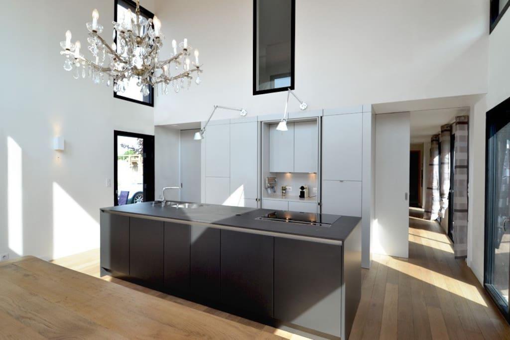 maison d 39 architecte en champagne houses for rent in reims alsace champagne ardenne lorraine. Black Bedroom Furniture Sets. Home Design Ideas