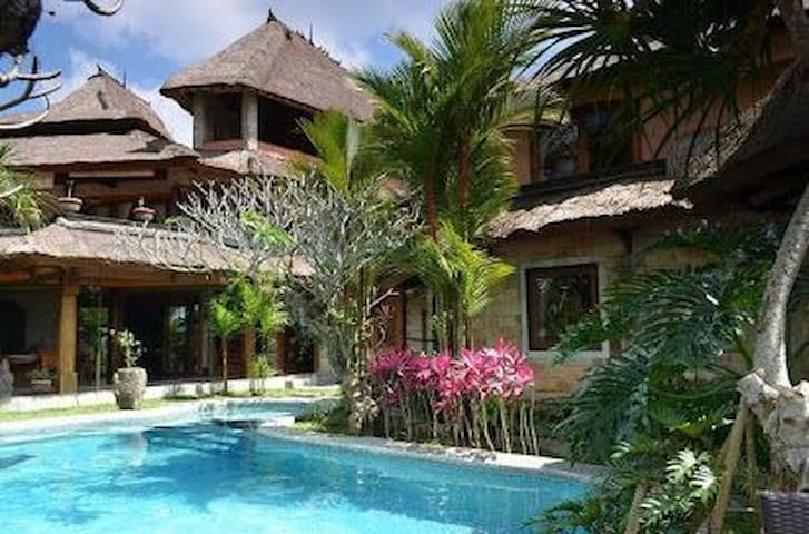 SAUDARA Home Ubud 3 / Stay with peace and comfort