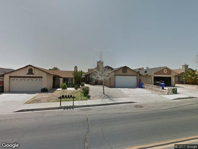 Cozy, Clean, Cute Home in Great Central Location - Victorville - Hus