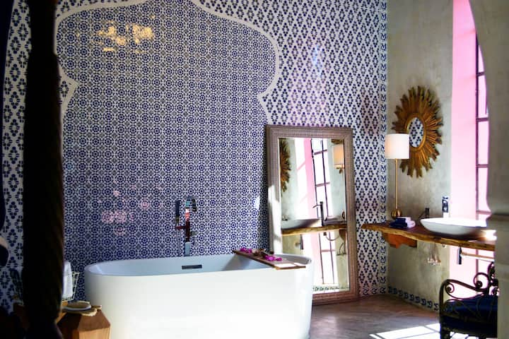 La Puerta Roja Boutiq Hotel Indigo Romantic Room.