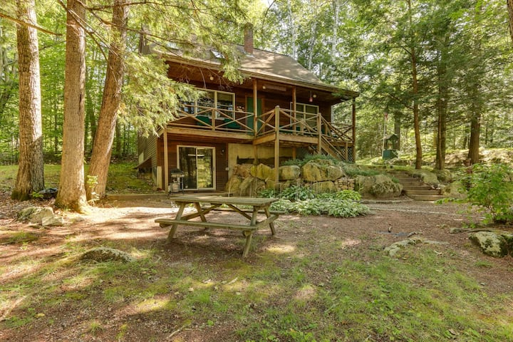 Lake Kanasatka Cottage with Beach access and Private Trout Pond