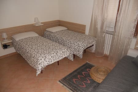 5min by feet to CIAMPINO RAILWAY STATION - Ciampino - Lejlighed
