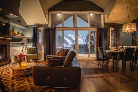 Luxueux condo-Mont St-Sauveur-Vue sur la montagne - Saint-Sauveur