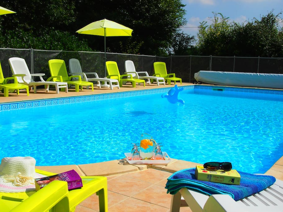 Take a dip or lounge around-  Comfortably heated Swimming Pool with an average temperature of 27 ° and heated via a powerful heat pump.
