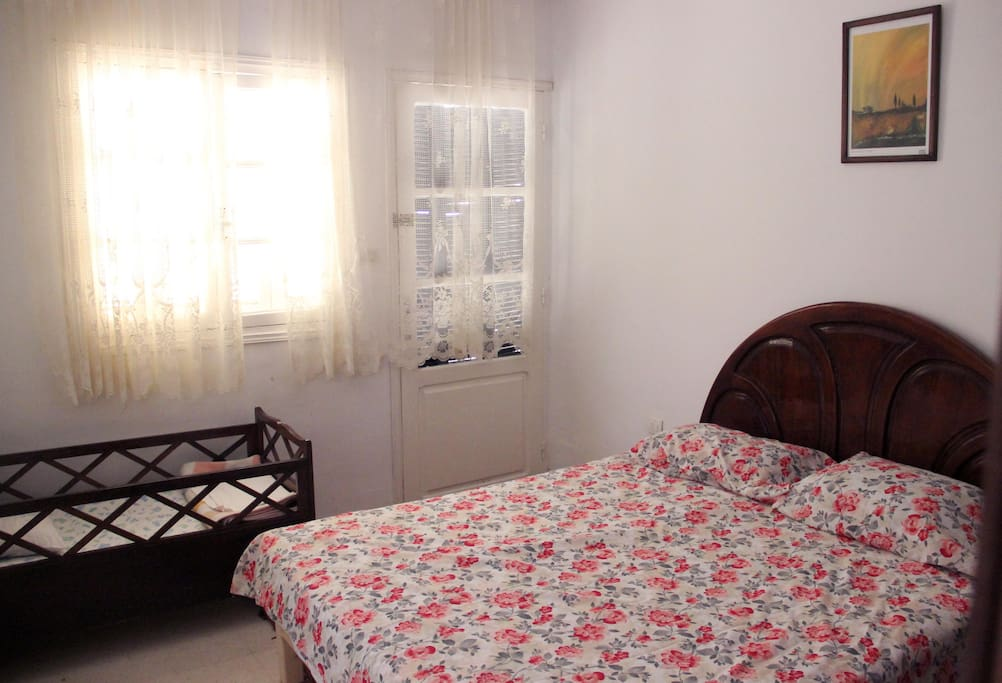 Second bedroom with Baby bed
