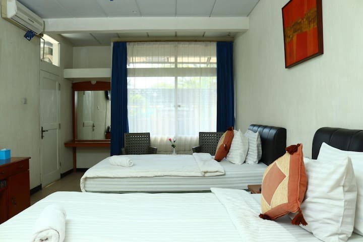Comfortable room, nearby hot spring swimming pool