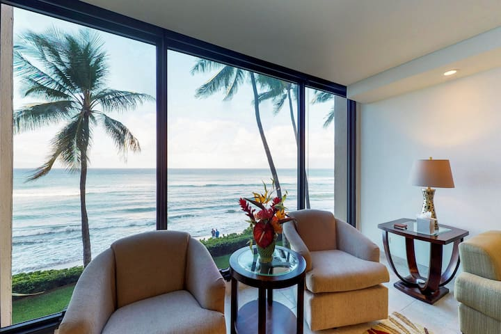 A perfect oceanfront escape w/ resort pool, hot tub, & gorgeous views