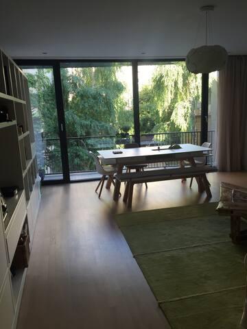 A modern apartment in real center! - București - Lägenhet